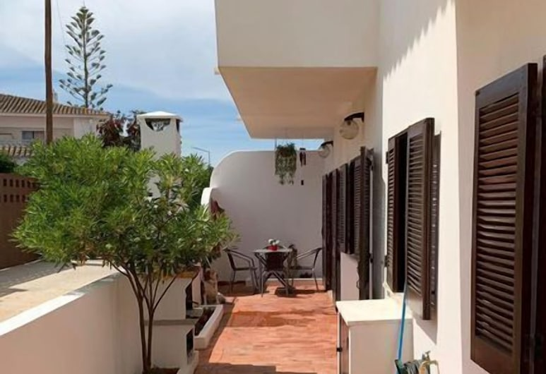 Cozy Apartment near the beach, Albufeira, Property Grounds