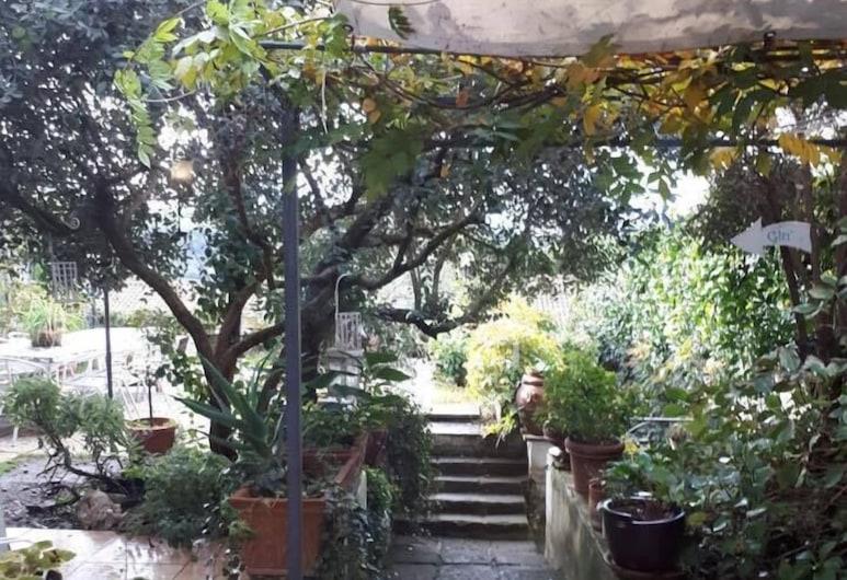 Il Cenacolo Di Sissi, Campagnano di Roma, Terrasse/Patio