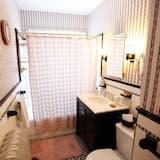 Standard Room, 1 Bedroom, Non Smoking (Katie's Room) - Bathroom