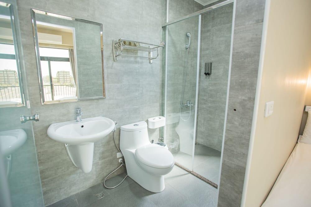 Standard Quadruple Room, Balcony - Bathroom