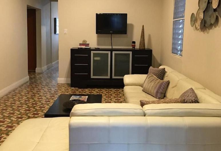 3 Bedroom Large Home San Juan, San Chuanas, Svetainės zona