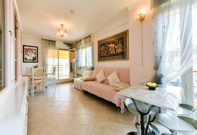 カンヌにあるアパート、ベッドルーム 1 室、素晴らしいシティー ビュー、家具付きのテラス、WiFi あり - ビーチから 800 m, カンヌ