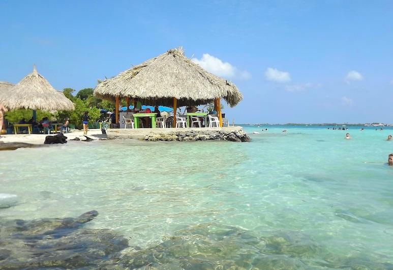 卡拉柯爾港穆庫拉島飯店, 穆庫拉島, 海灘