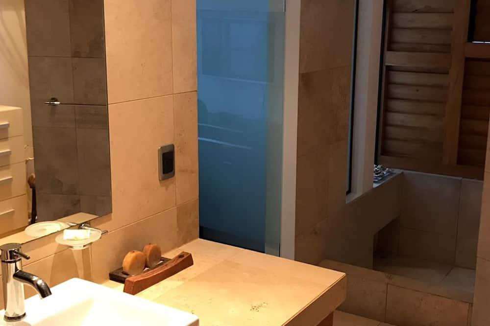Departamento exclusivo, 3 habitaciones, balcón, vista al mar - Baño