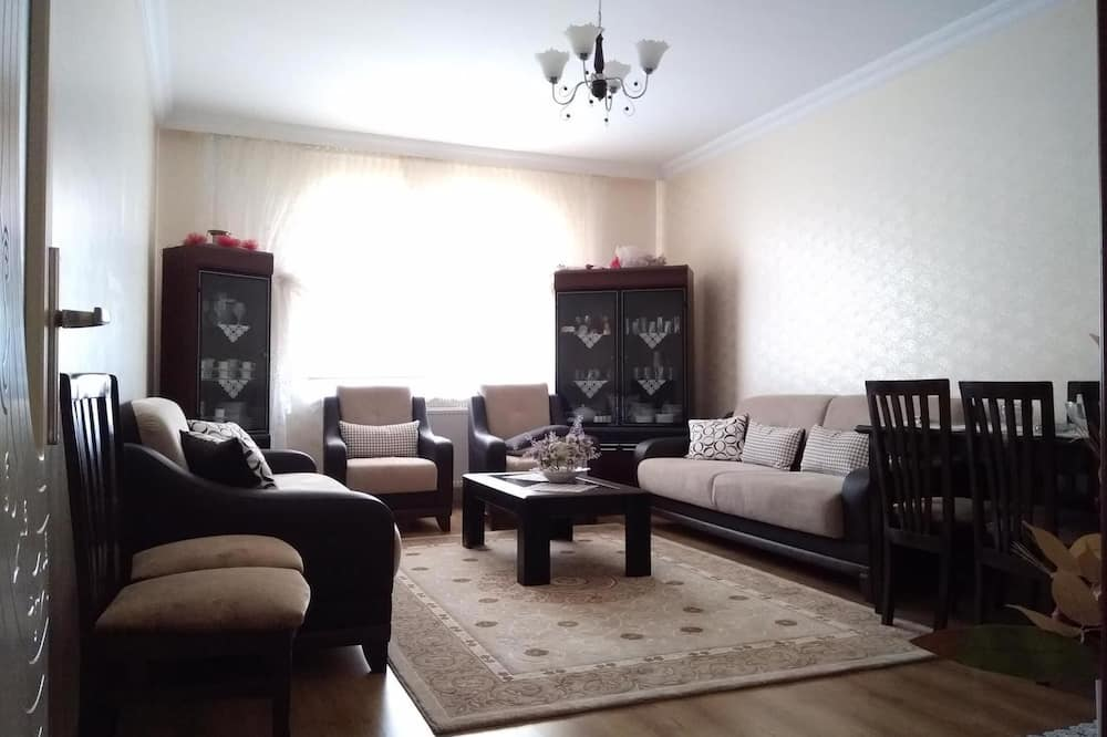 Business Apartment, Multiple Beds - Living Room