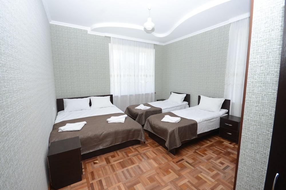 Classic Room, Multiple Beds, Garden View - Guest Room
