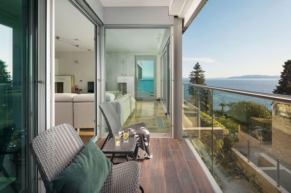 ดีลักซ์อพาร์ทเมนท์, 1 ห้องนอน, วิวทะเล, ริมทะเล - ระเบียง
