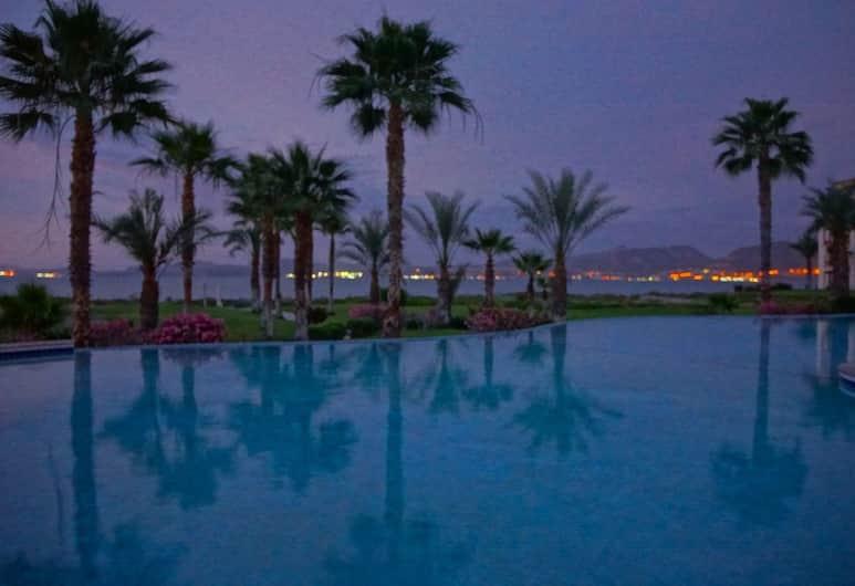 Paraiso Del Mar Resort A202 2 Bed by Casago, Ла-Пас, Открытый бассейн