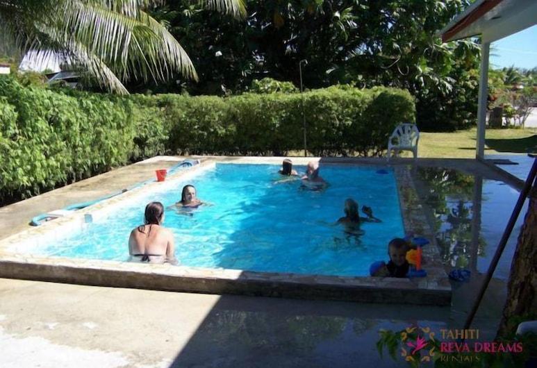 HUAHINE - Fare Tiarenui, Huahinė, Lauko baseinas