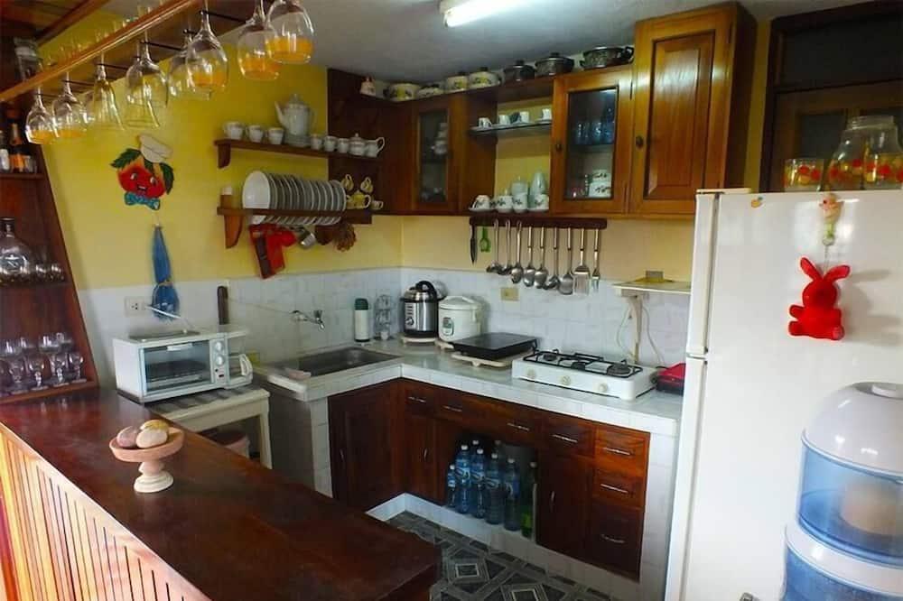 Classic-værelse til 3 personer - udsigt til bugt - Fælles køkkenfaciliteter