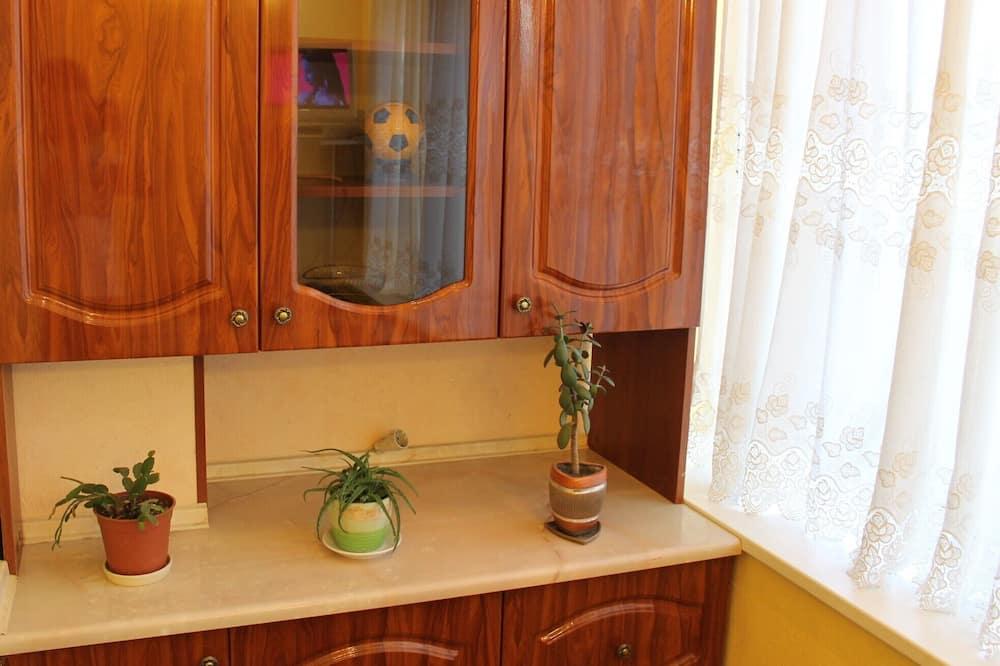 Poshtova Sq 2 Bedroom Apartment Wifi, Podol, Kyiv Center
