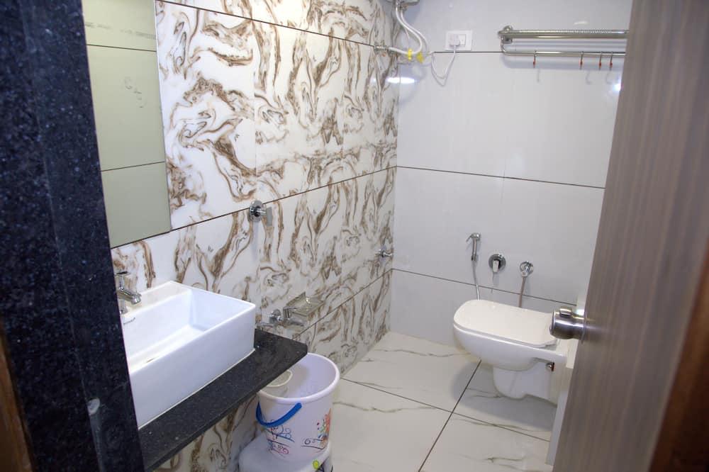 Deluxe Double Room, 1 Bedroom, City View - Bathroom