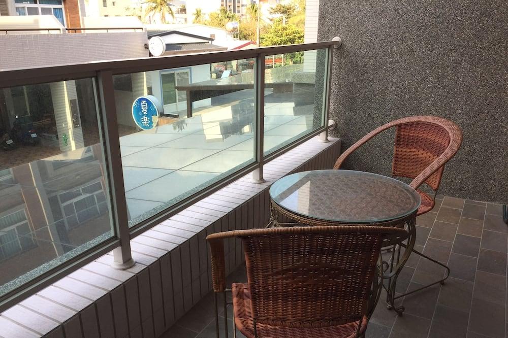 Comfort House, 5 Bedrooms, Non Smoking - Balcony View
