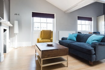 Image de The Harbourside Loft - Stylish & Modern 1bdr Apartment in the Old City à Bristol