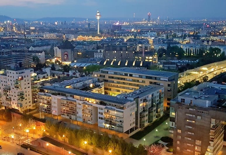 Cloud7, Viyana, Dış Mekân