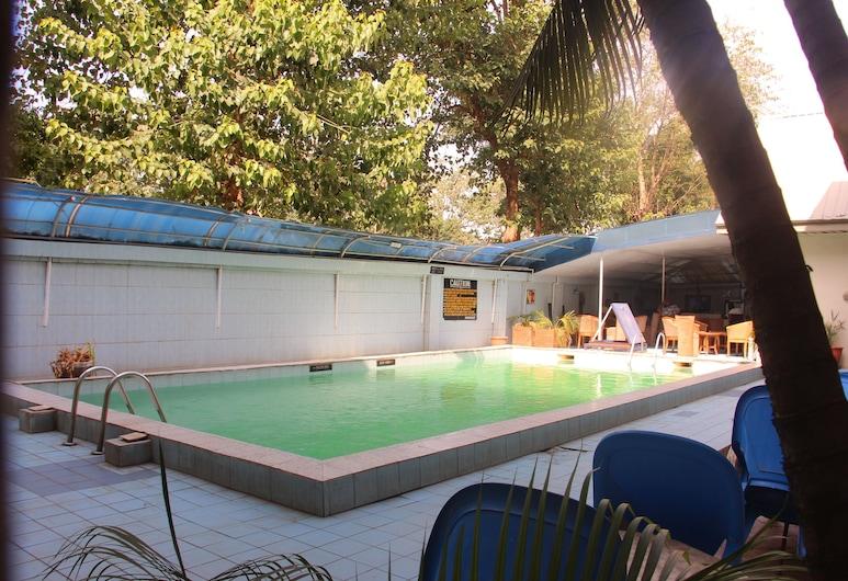 Barcelona Apartment, Abuja, Bazén