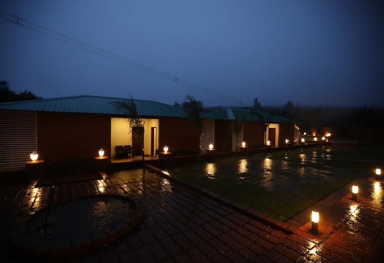 La Serene Resort & Spa, Mahabaleshwar, Hotel Front – Evening/Night