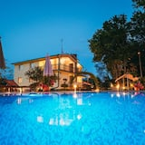 Luxury Villa, Multiple Beds - Room