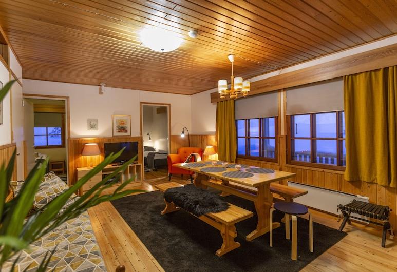 Apartments Saariselkä Kuukkeli, Saariselka, Standard Apartment, 3 Bedrooms, Non Smoking, Sauna, Guest Room