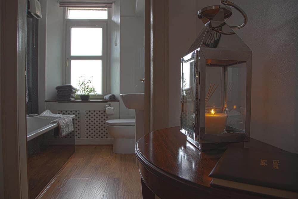 Apartamentai, Kelios lovos (Leigh-Lann) - Vonios kambarys