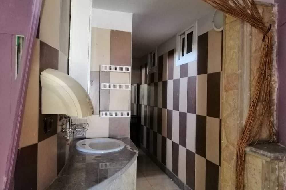 Загальне спальне приміщення, тільки для чоловіків (26 pax) - Ванна кімната