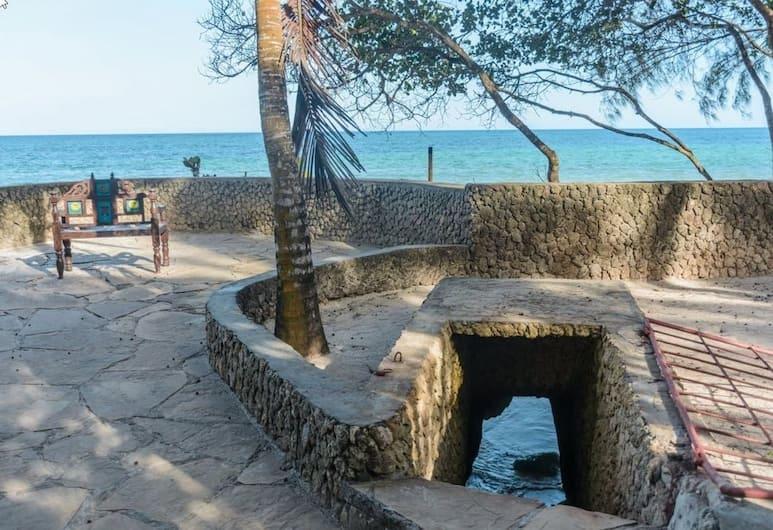 Palm Beach Manor, Diani Beach, Property Grounds