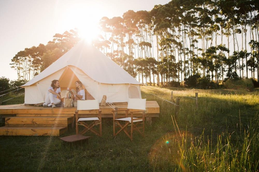 Folk Glamp Tents, Jose Ignacio