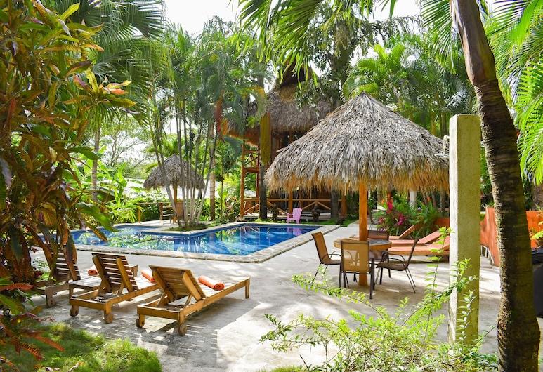 Fuego Lodge, Cobano, Pool