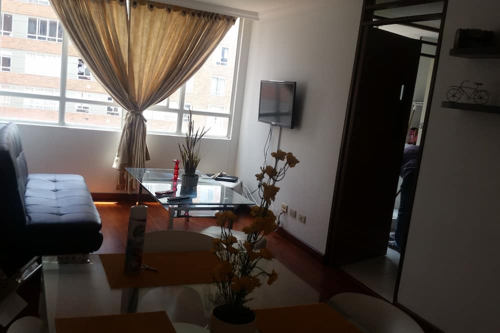 Family Apartment, 3 Bedrooms - Living Room