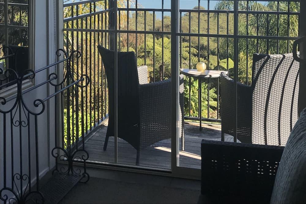 Studio, 1 Queen Bed - Balcony
