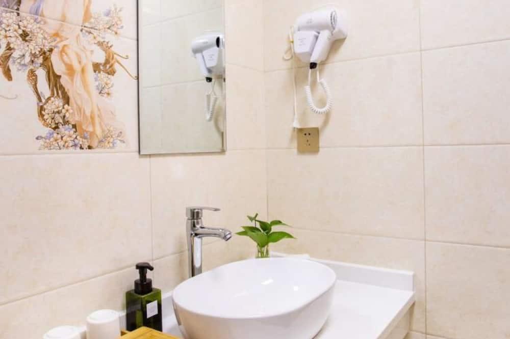 Habitación económica con 2 camas individuales (Mainland Chinese Only仅限中国大陆客人) - Baño