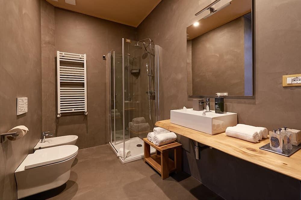 Deluxe Room, 1 Double Bed - Bathroom