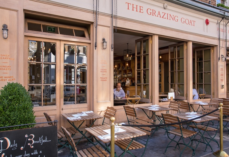 The Grazing Goat, Londonas, Viešbučio fasadas