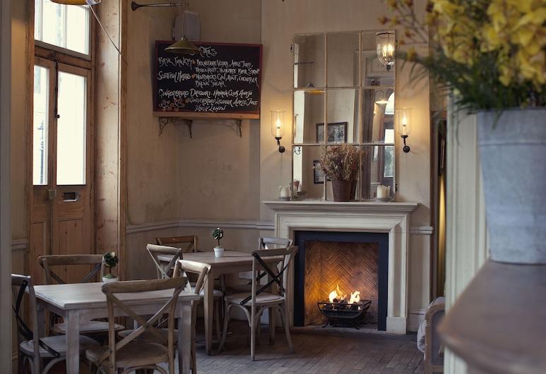 The Orange, Lontoo, Hotellin baari