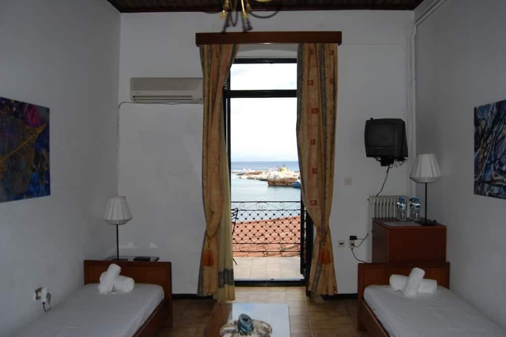 Kahden hengen huone, 3 yhden hengen sänkyä, Merinäköala - Vierashuone