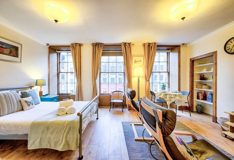 Royal Mile Apartment for Two - Location, Location!, Edinburgh