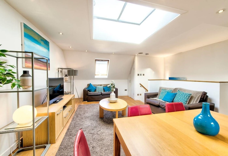 Quiet Mews Street Apartment in the Heart of Edinburgh, Edinburgh