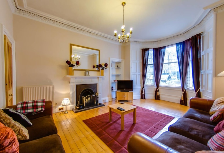 Fabulous Ground-floor 3-bedroom Near Old Town, Edinburgh