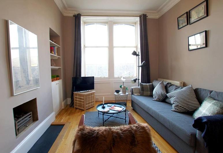 Lovely and Cozy Edinburgh City Centre Apartment, Edinburgh, Apartment (2 Bedrooms), Living Room