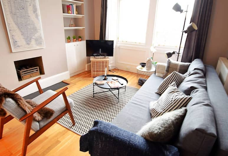 Lovely and Cozy Edinburgh City Centre Apartment, Edinburgh, Woonkamer