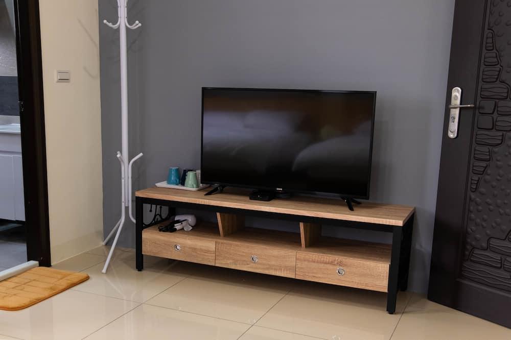 Comfort-værelse til 4 personer - 2 dobbeltsenge - balkon - bjergudsigt - TV