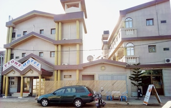 Picture of Stone Hotel in Lome