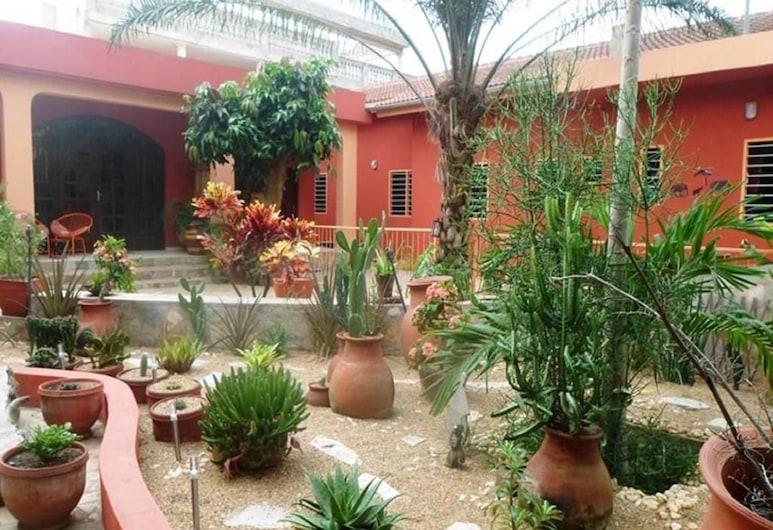 科瑞伊芳酒店, 洛美, 花園