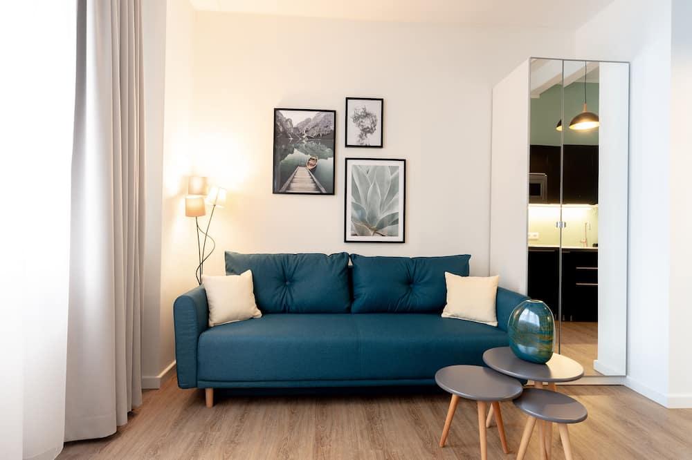 Deluxe - Living Area