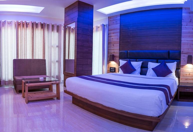 호텔 스카이킹, 데라둔, 럭셔리 더블룸, 산 전망, 객실