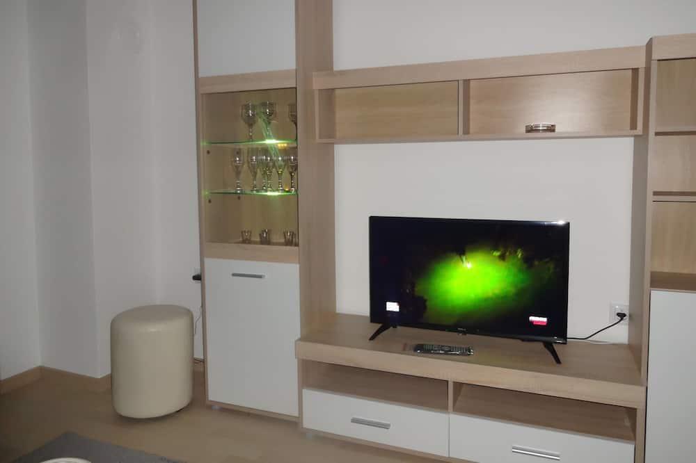 Luxury Apartment, Garden View - Living Area
