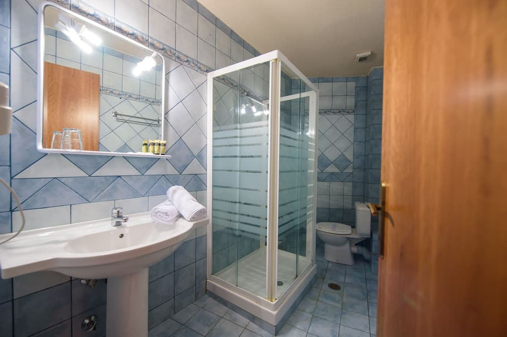 Familien-Dreibettzimmer, Seeblick - Badezimmer