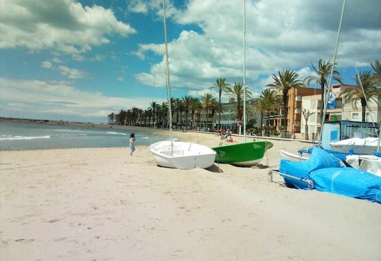 雙魚公寓酒店, 庫韋列斯, 海灘