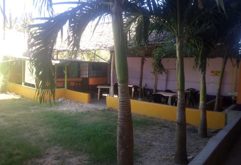 Topville Hotel, Mtwapa, Fachada del hotel