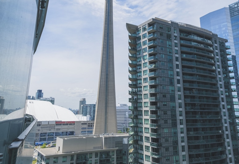 Stunning Suites - Beautiful 2bdr Condo, Toronto, Front of property